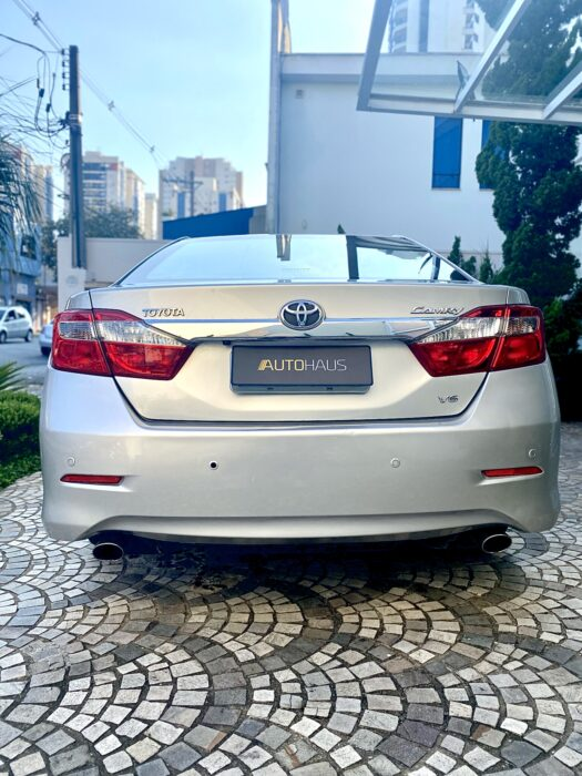 TOYOTA Camry 2013 completo