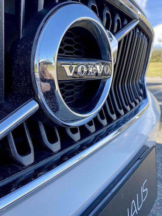 VOLVO XC40 2019 completo