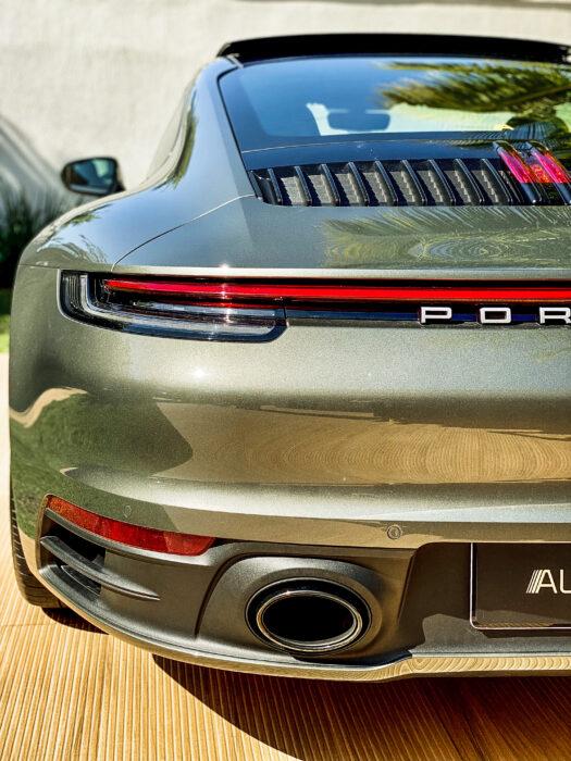PORSCHE 911 2020 completo