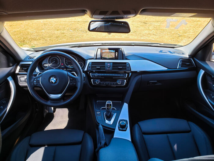 BMW 320i 2017 completo